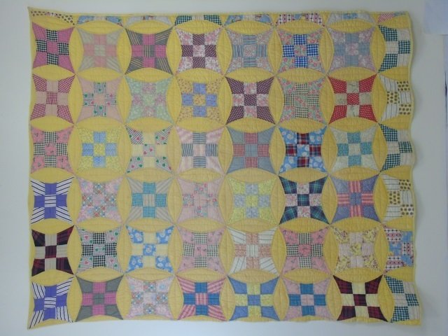 Vintage American Handmade / Hand Sewn Quilt