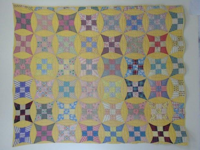 Vintage American Handmade / Hand Sewn Quilt