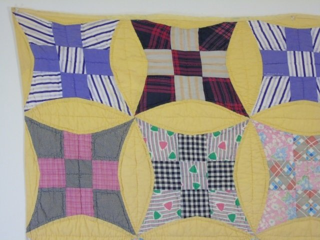 Vintage American Handmade / Hand Sewn Quilt - 3