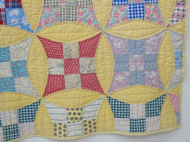 Vintage American Handmade / Hand Sewn Quilt - 5