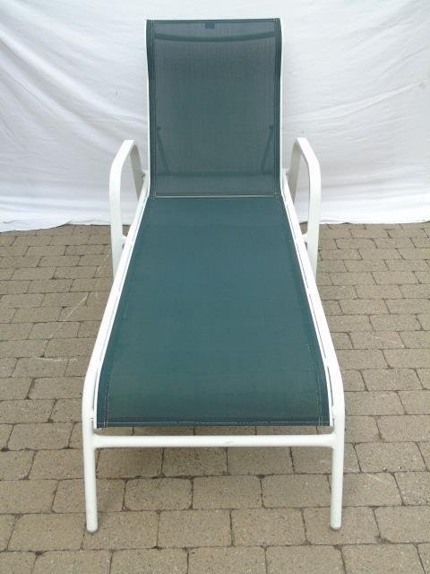 Pair Contemporary Pool Side / Patio Lounge Chairs - 3