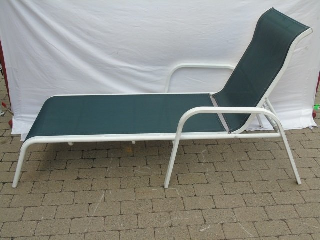 Pair Contemporary Pool Side / Patio Lounge Chairs - 4