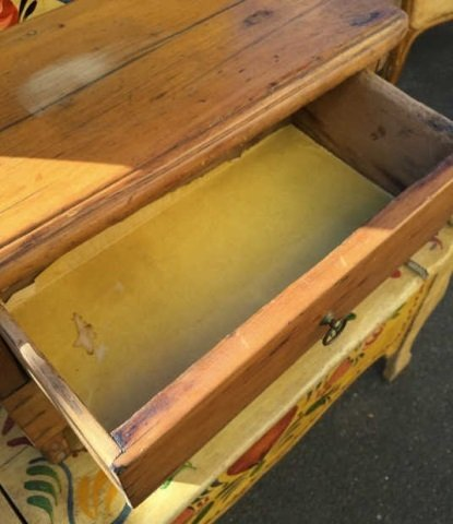 Antique Early American Style Work Bench w Drawer - 4