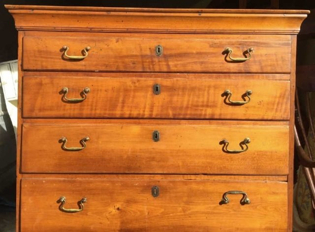Antique 19th C Early American Chest of Drawers - 3