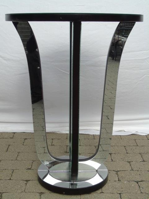 Contemporary Hollywood Regency Mirrored End Table - 2