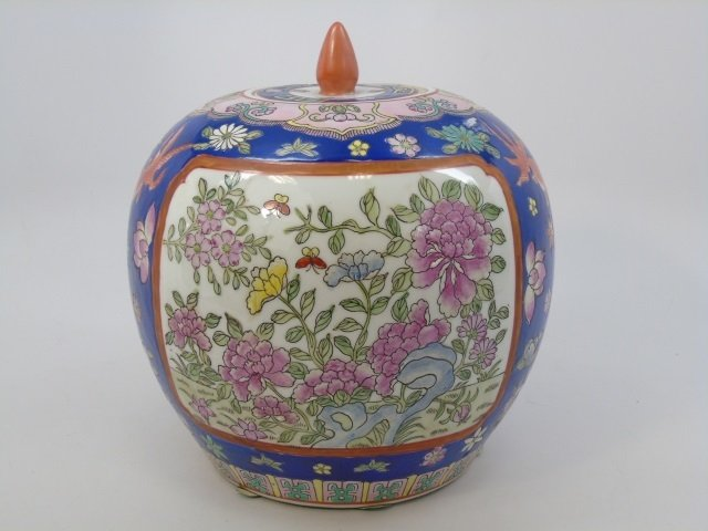 Chinese Hand Painted Porcelain Ginger Jar