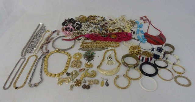 Large Group Lot of Vintage Costume Jewelry Items