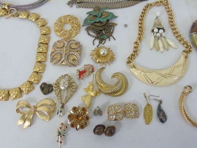 Large Group Lot of Vintage Costume Jewelry Items - 6