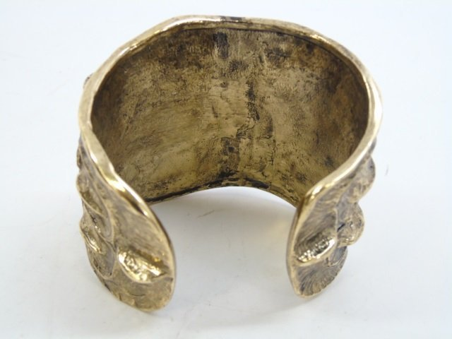 Contemporary Designer Gilt Metal Alligator Cuff - 3