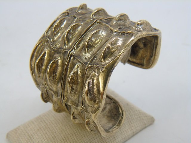 Contemporary Designer Gilt Metal Alligator Cuff - 7