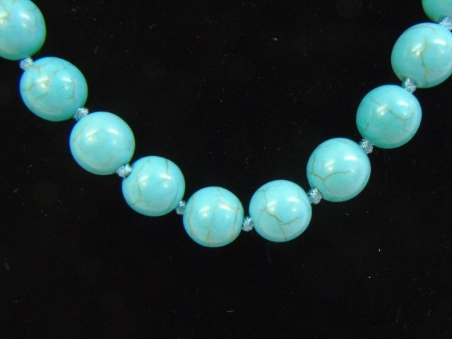Native American Style Turquoise Bead Necklace - 2