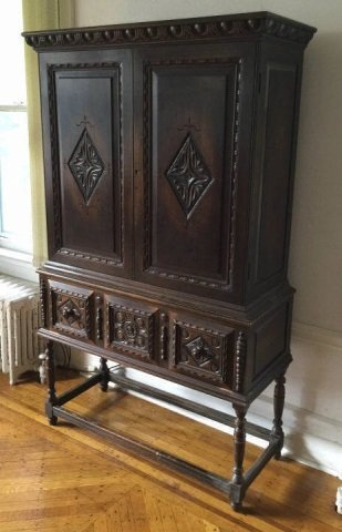 Antique Hathaway Furniture Jacobean Style Cupboard - 3