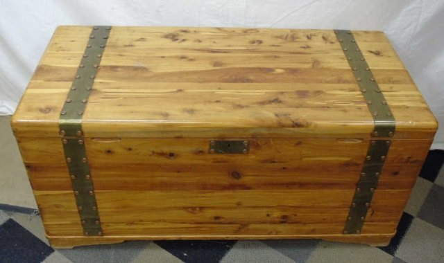 Mid Century Cedar Lined Storage Chest / Trunk