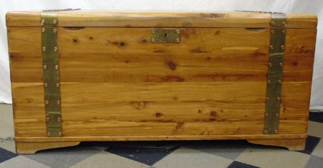 Mid Century Cedar Lined Storage Chest / Trunk - 2