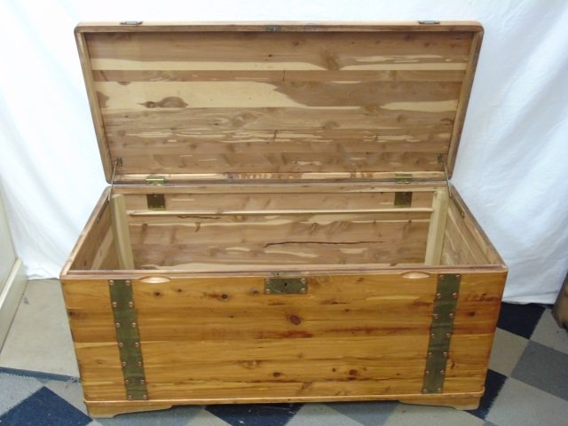 Mid Century Cedar Lined Storage Chest / Trunk - 3