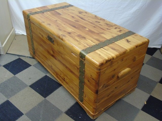 Mid Century Cedar Lined Storage Chest / Trunk - 4