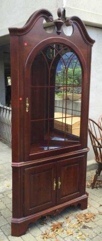 Chippendale Style Mahogany Corner Curio Cabinet - 2