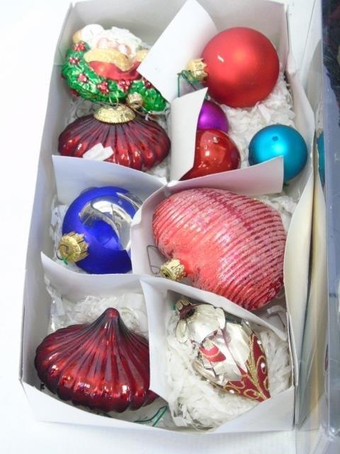 Large Lot Vintage & Contemporary Christmas Decor - 4