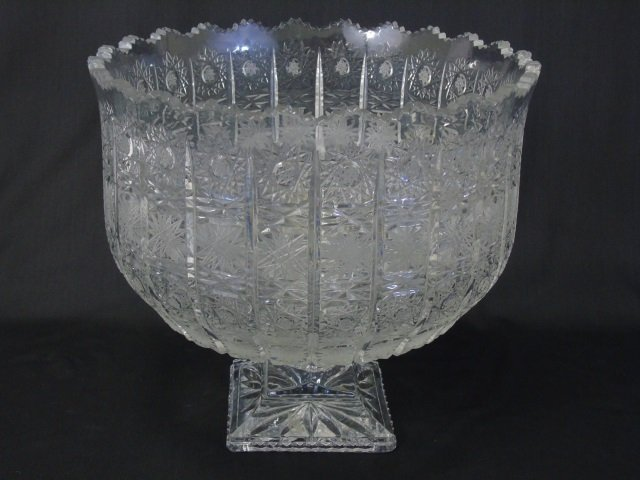 Large Highly Faceted Cut Crystal Center Piece Urn