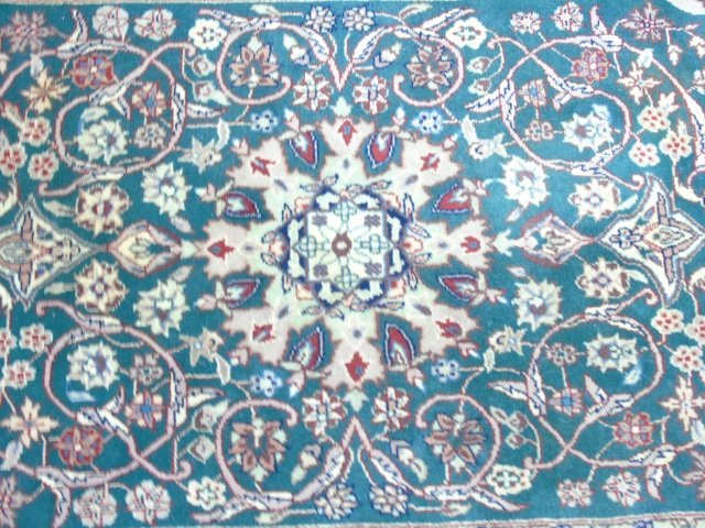 Persian / Oriental Style Knotted Wool Throw Rug - 4