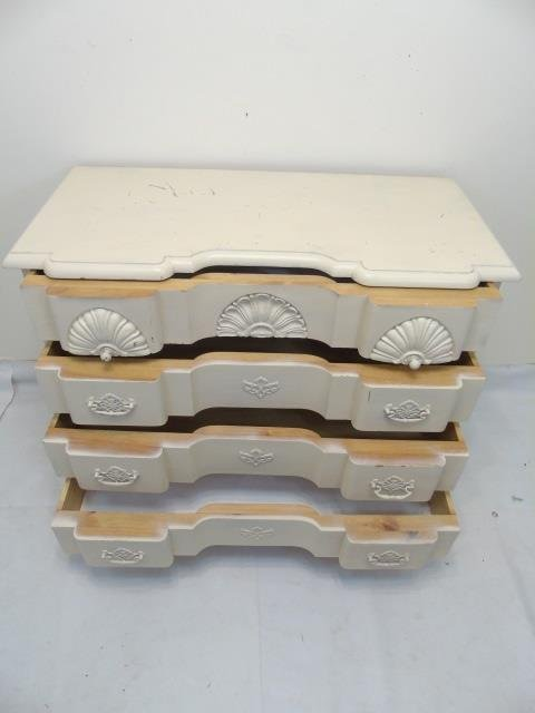 White Painted Queen Anne Style Chest of Drawers - 3
