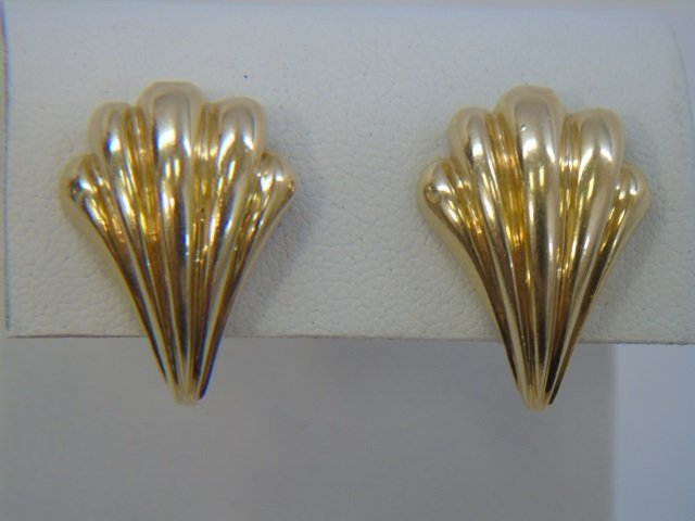 Pair 14kt Yellow Gold Shell Motif Clip Earrings