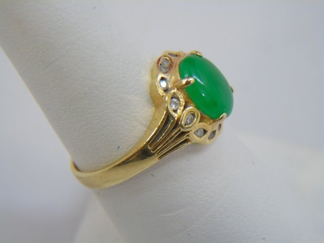 Estate Chinese Cabochon Jade & Diamond 18kt Ring - 4