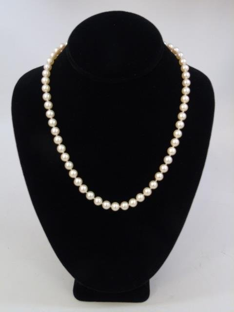 Estate Hand Knotted Pearl Strand w 14k Gold Clasp