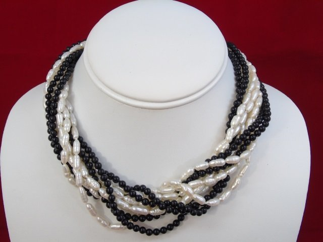 Vintage Yellow Gold Seed Pearl & Onyx Necklace