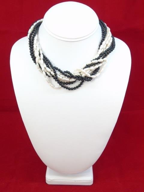 Vintage Yellow Gold Seed Pearl & Onyx Necklace - 3