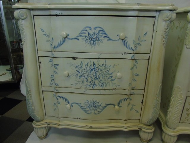 Pair Serpentine Front Painted Bedside Tables - 4
