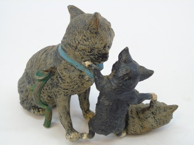 Antique German Statue of Three Cats Playing - 2