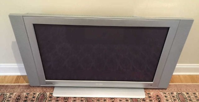 40+ Inch Phillips Flat Screen Television w Remote