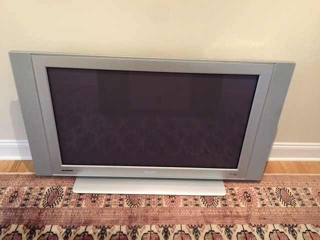 40+ Inch Phillips Flat Screen Television w Remote - 2