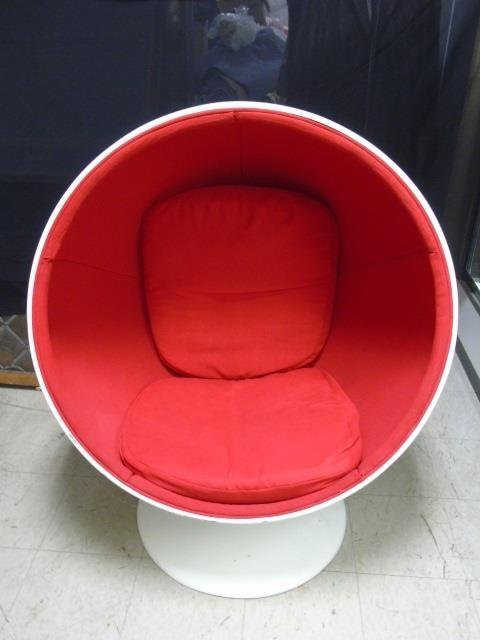 Mid Century Modern Bucket / Ball Chair - 3