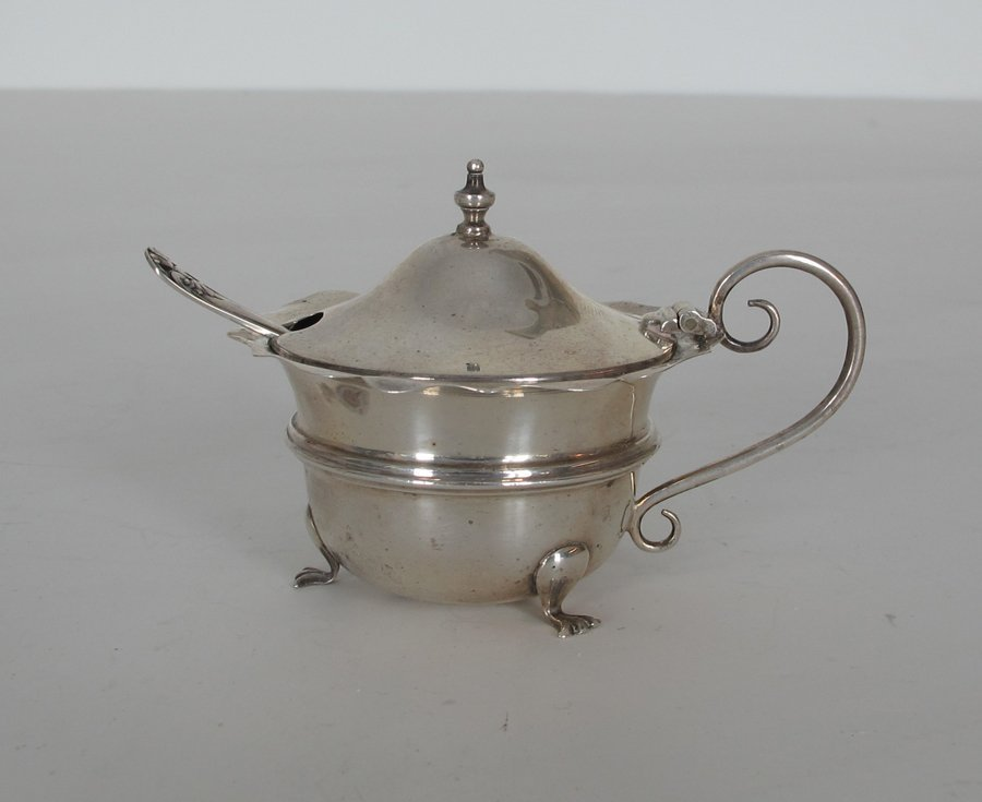 English Sterling Salt Server - Lidded