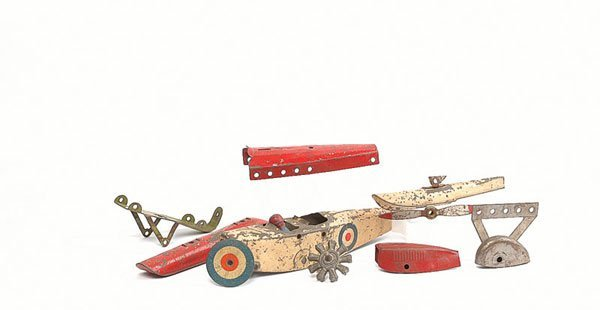 3020: Meccano Aeroplane parts selection of misc.items