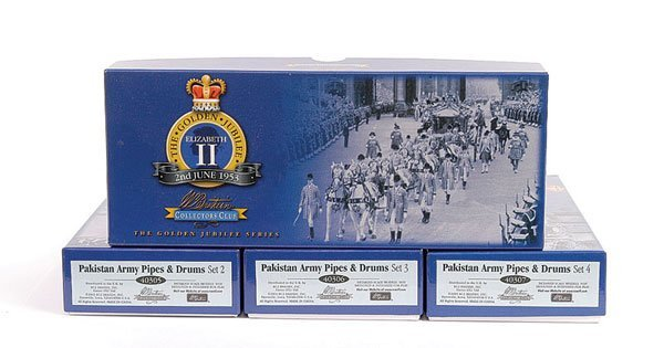 1008: Britains Pakistan Army Pipes and Drum Sets