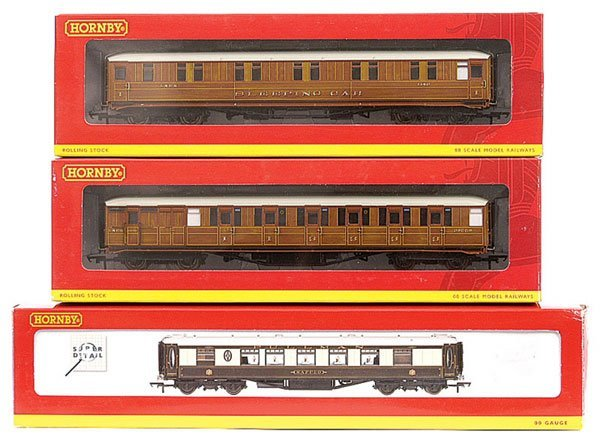 3024: Hornby - A Group of Passenger Rolling Stock