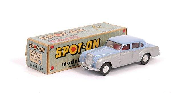 1018: Spot-On No.102 Bentley Saloon