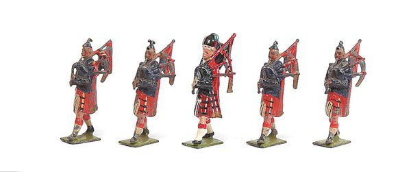 3021: Britains - From Set 69 - Pipers - Scots Guards