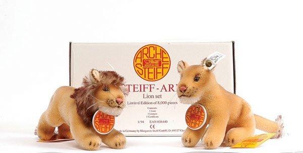 5: Steiff Noah's Ark Lion Set