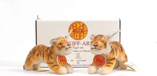 7: Steiff Noah's Ark Tiger Set