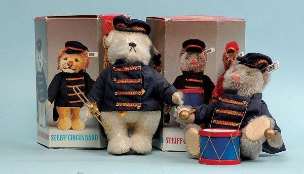 21: Steiff Circus Series Dog & Cat Bandsmen