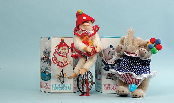 23: Steiff Circus Series Chimp and Baby Elephant