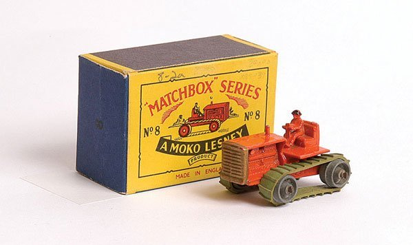 1011: Matchbox No.8a Caterpillar Bulldozer