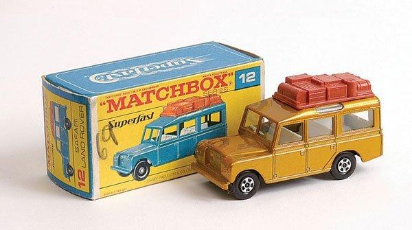 1437: Matchbox Superfast No.12 Land Rover Safari