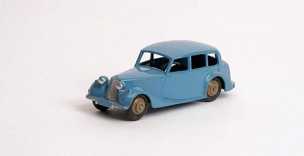 3006: Dinky - No.40B Triumph 1800 Saloon