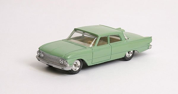 3018: Dinky - No.148 Ford Fairlane