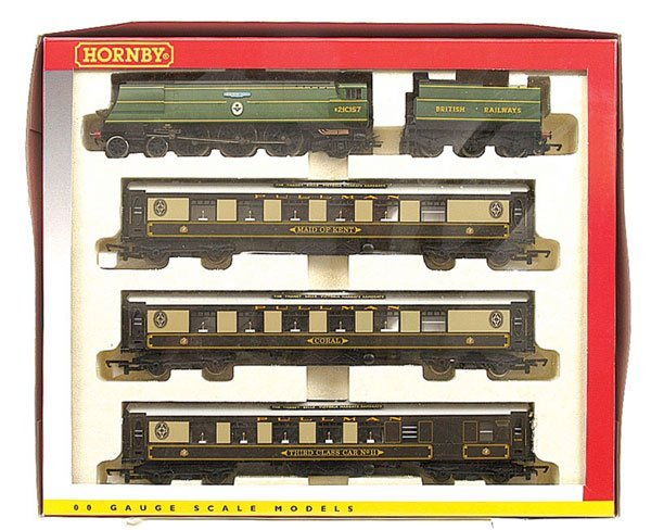"""4005: Hornby R2279M """"The Thanet Belle"""" Train Pack"""